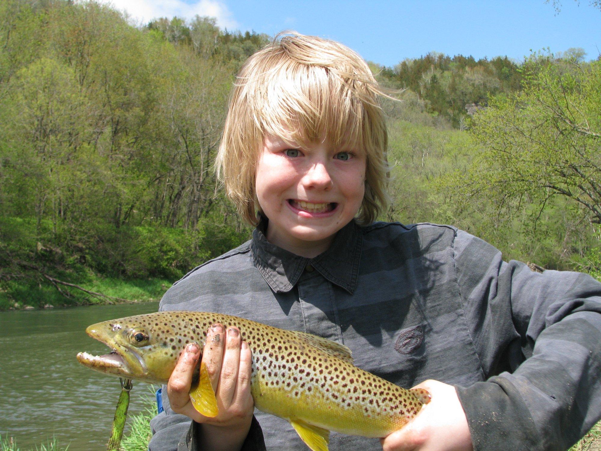 ryans 18 inch brown trout_1.jpg